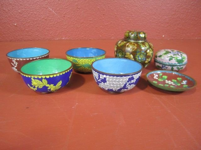 15: A44-12  GROUP OF 7 CLOISONNE ITEMS