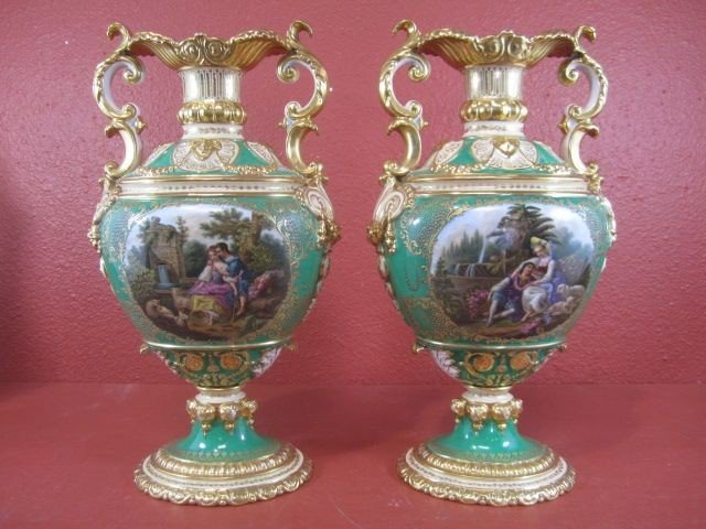 597: E22-5  PAIR OF OLD PARIS PORCELAIN VASES