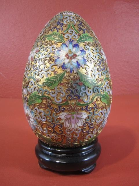 503: A45-27  LARGE ENAMELED EGG