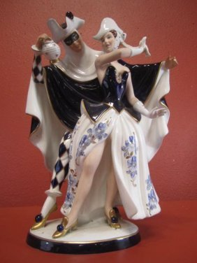 A55-10  ROYAL DUX FIGURAL GROUP