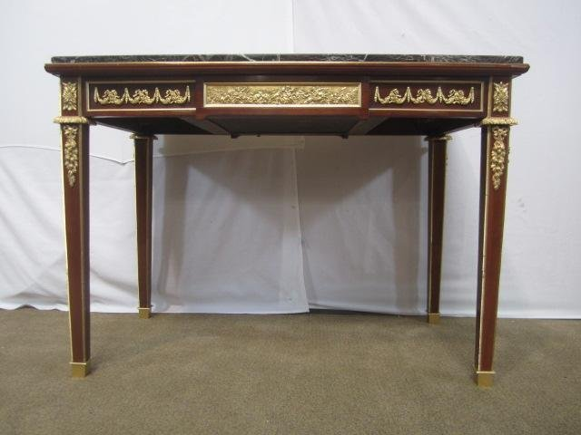 605C: E22-73  WRITING DESK