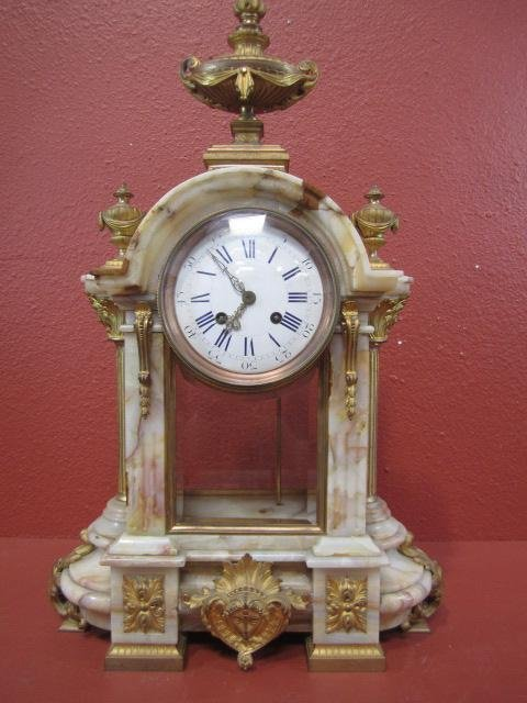 604E: A11-214  FRENCH ONYX & ORMOLU CLOCK