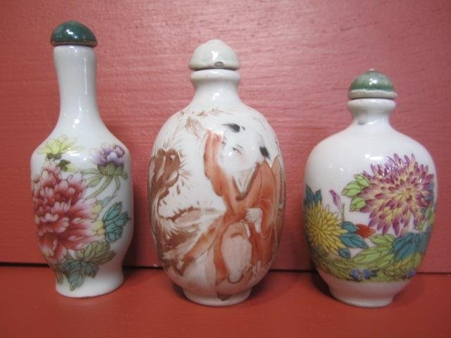 15: D56-10  LOT OF 3 CHINESE SNUFF BOTTLES