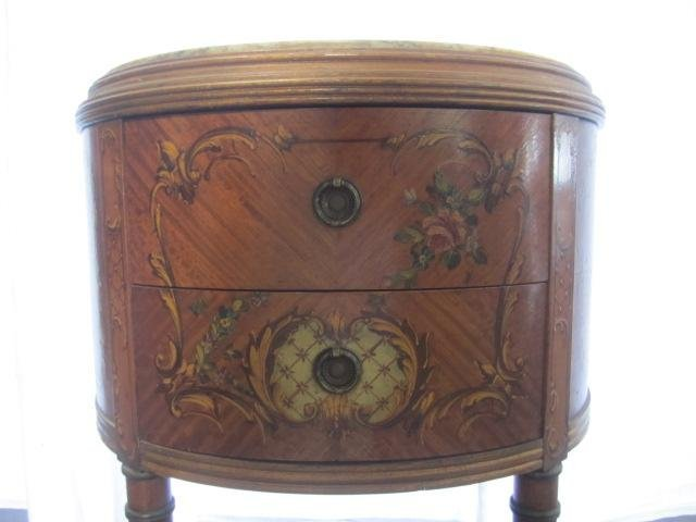 692: E22-9  PAIR OF GILTWOOD 1/2 MOON SIDE TABLES - 5