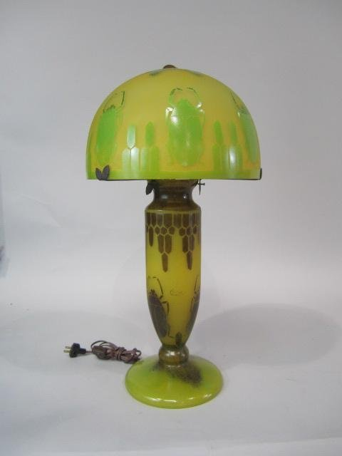 386: A45-41  CAMEO GLASS LAMP WITH SCARABS