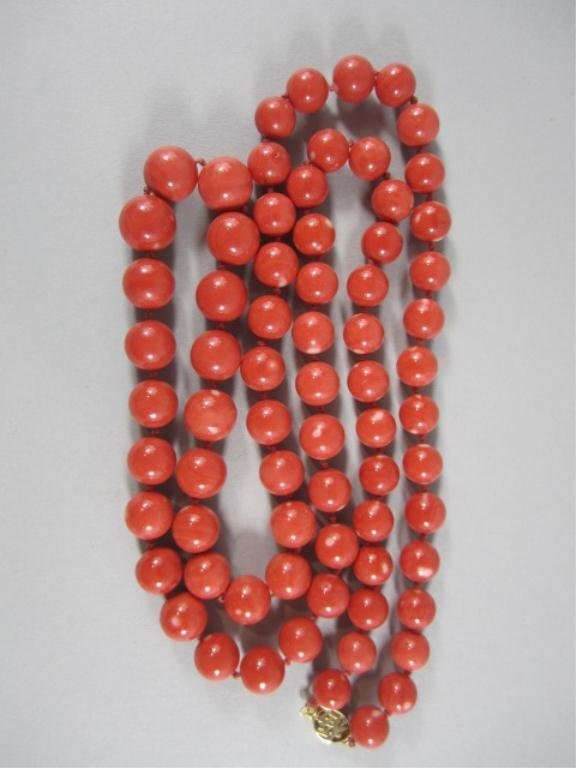 85: NY52  RED CORAL NECKLACE WITH GOLD CLASP