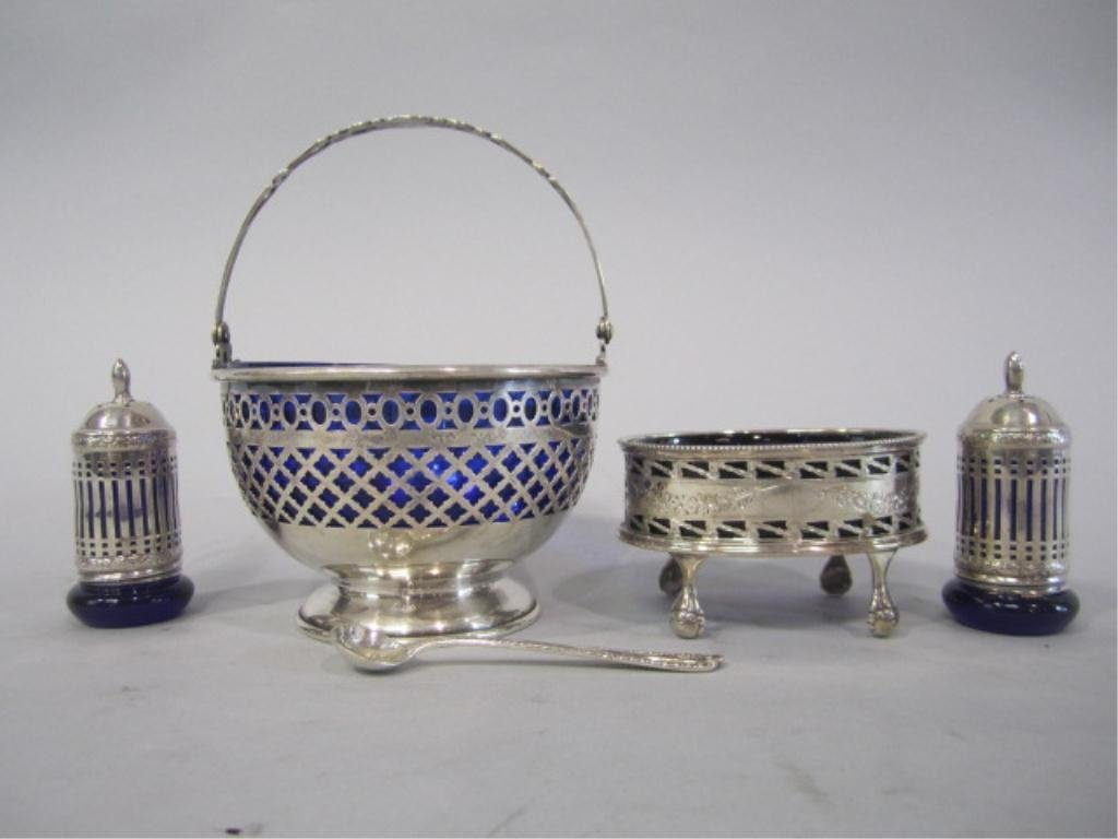 50G: H32-7  GROUP OF 5 STERLING SILVER ITEMS
