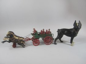 C85-1  VINTAGE CAST IRON DOG BANK & PATROL WAGON