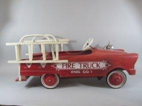 C85-4  VINTAGE PEDAL FIRE TRUCK