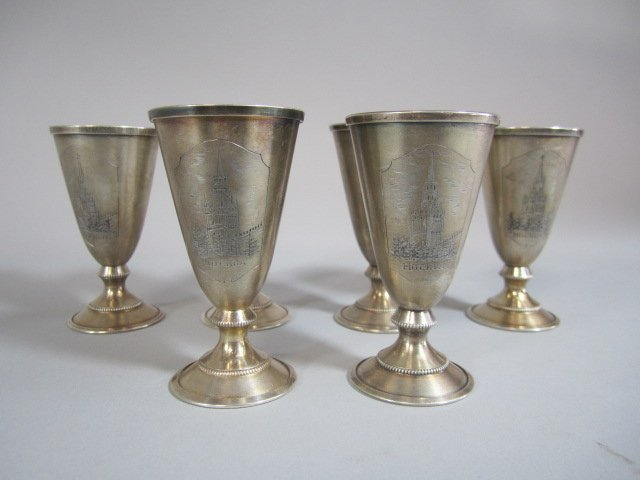 H25-4  SET OF 6 RUSSIAN SILVER LIQUOR CUPS