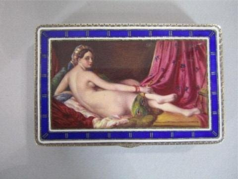 A83-16 GILT SILVER & ENAMEL BOX WITH NUDE