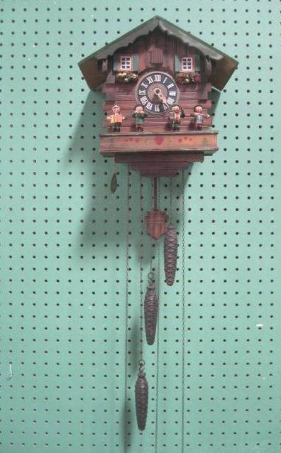 D15-8  GERMAN CUCKOO CLOCK
