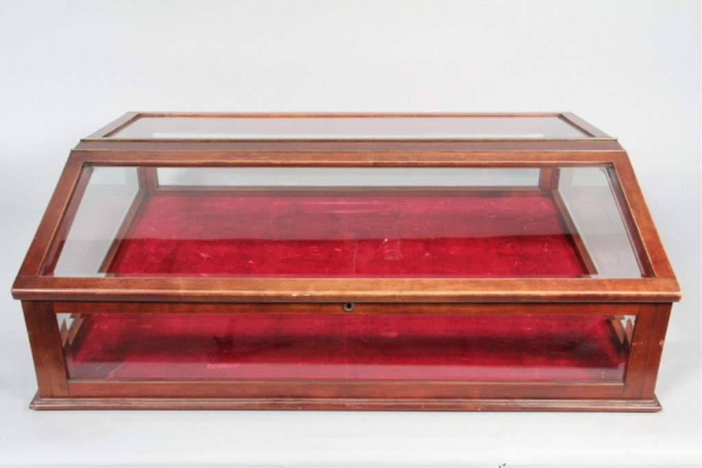 J5-1  Ship Display Case With Beveled Glass
