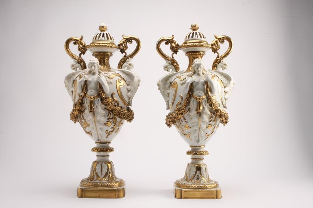 BH278  PAIR OF 19th CENTURY CAPODIMONTE VASES - 3