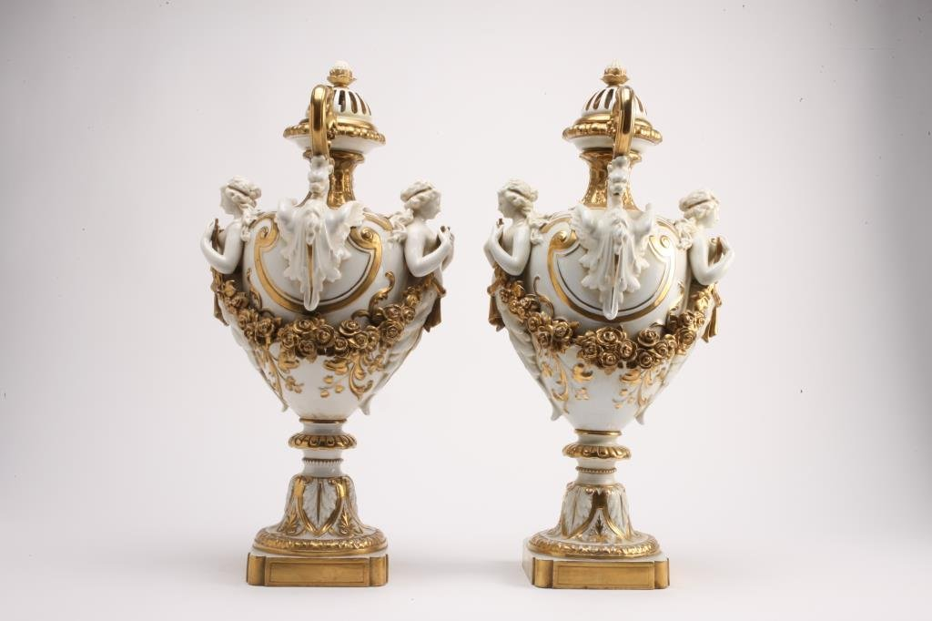BH278  PAIR OF 19th CENTURY CAPODIMONTE VASES - 4