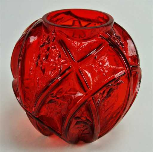 A45 56 Very Rare Ruby Red Phoenix Glass Vase