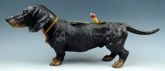 A44-3  DASCHUND DOG CIGAR & MATCH HOLDER