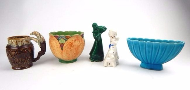 K12-1  GROUP OF 5 ART POTTERY ITEMS