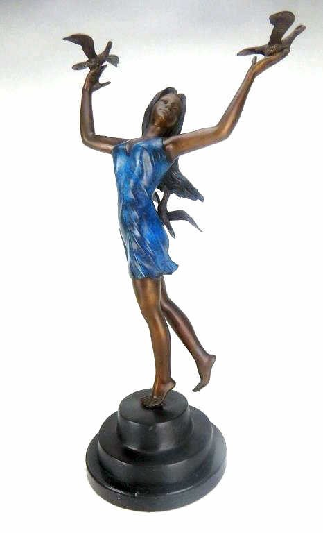 F42-2  BRONZE GIRL WITH BIRDS STATUE