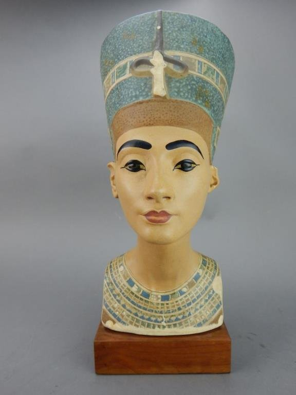 "Nefertiti ""Queen of Egypt"" Sculpture"