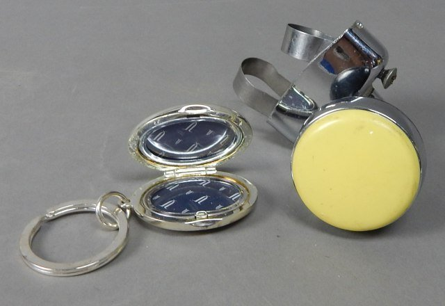 Bakelite Steering Wheel Knob & Mercedes Key Chain - 2