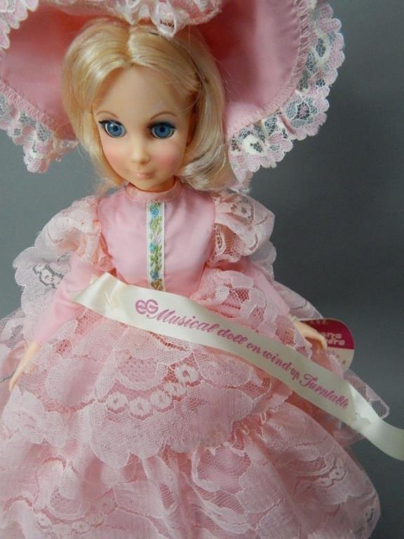 Automaton 1970s Goldberger Musical Doll - 2