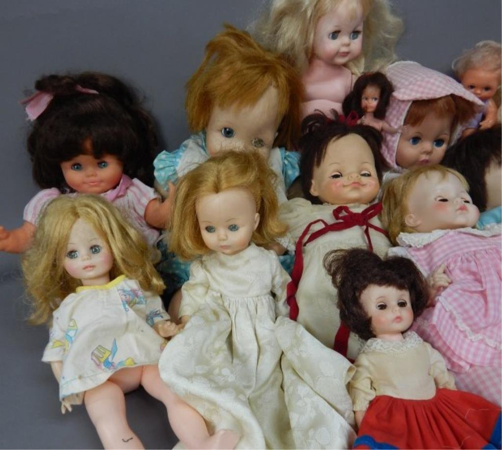 Collection of Nineteen Assorted Dolls - 3