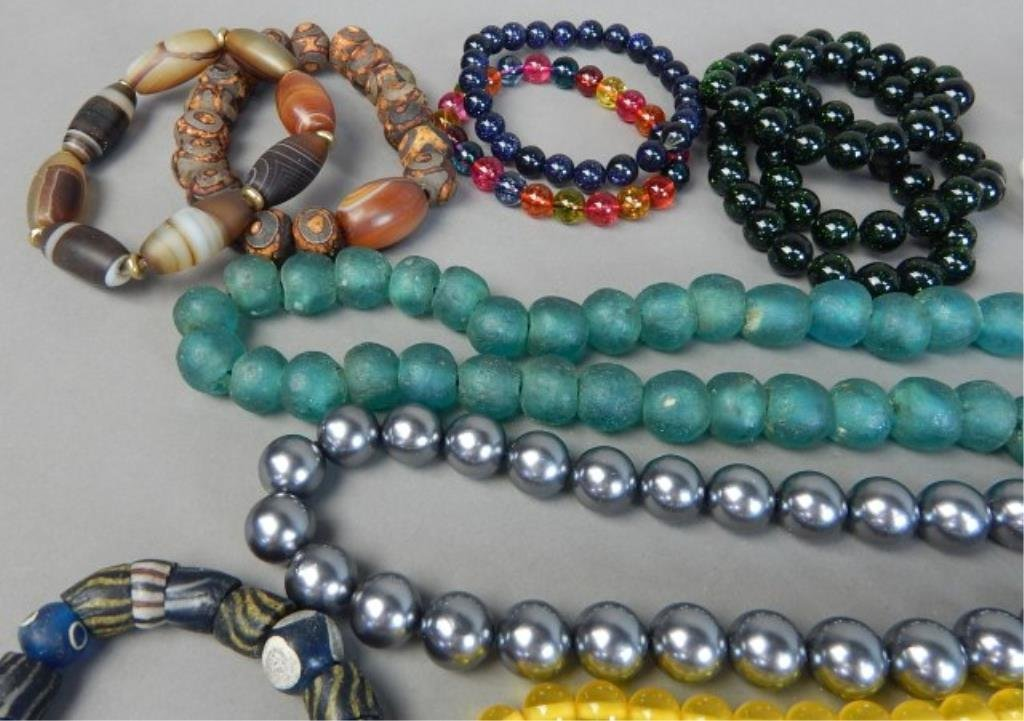 Nineteen Pieces Assorted Chinese Jewelry - 3