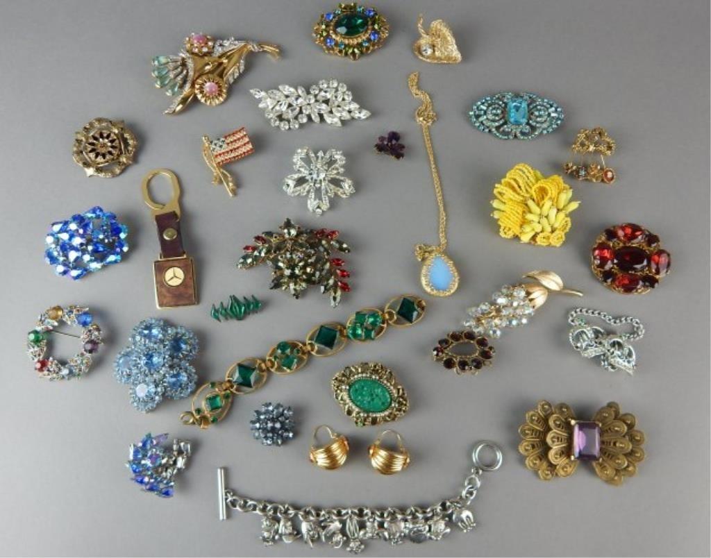 Twenty Nine Piece Vintage Jewelry