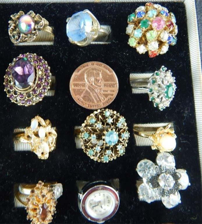 Thirty-six Assorted Vintage Rings - 3