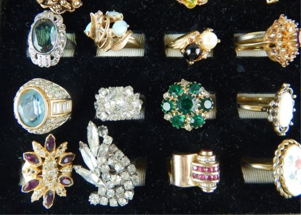 Thirty-six Assorted Vintage Rings - 4