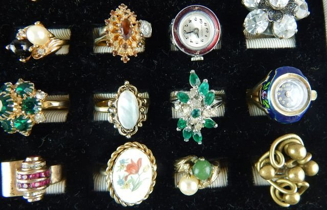 Thirty-six Assorted Vintage Rings - 5
