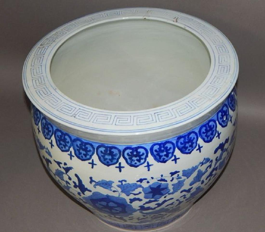 Large Chinese Blue and White Porcelain Fish Bowl - 2