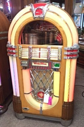 Original Restored Wurlitzer 1015 Jukebox