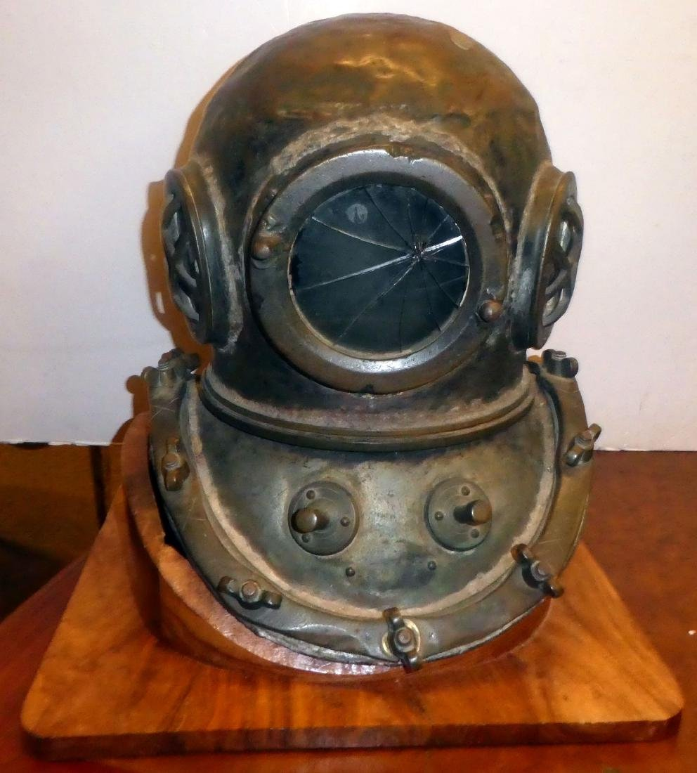 Bronze diver's helmet with shoulder assembly