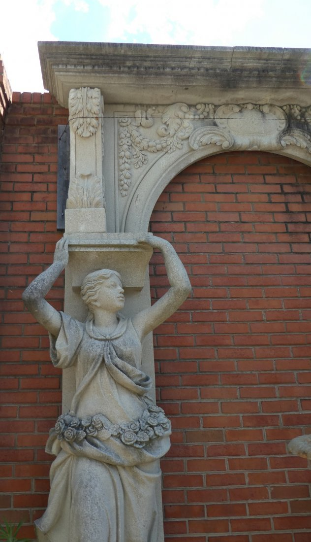 Figural stone arch with caryatids - 2