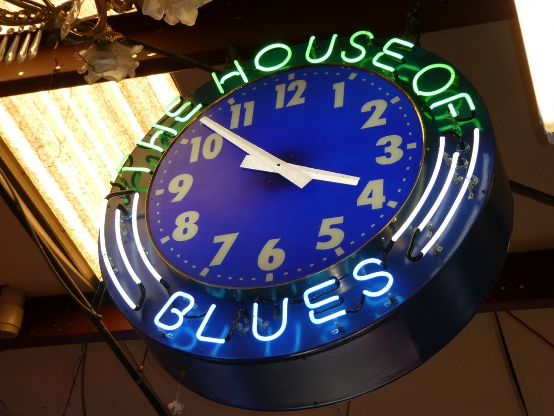 House of Blues neon clock