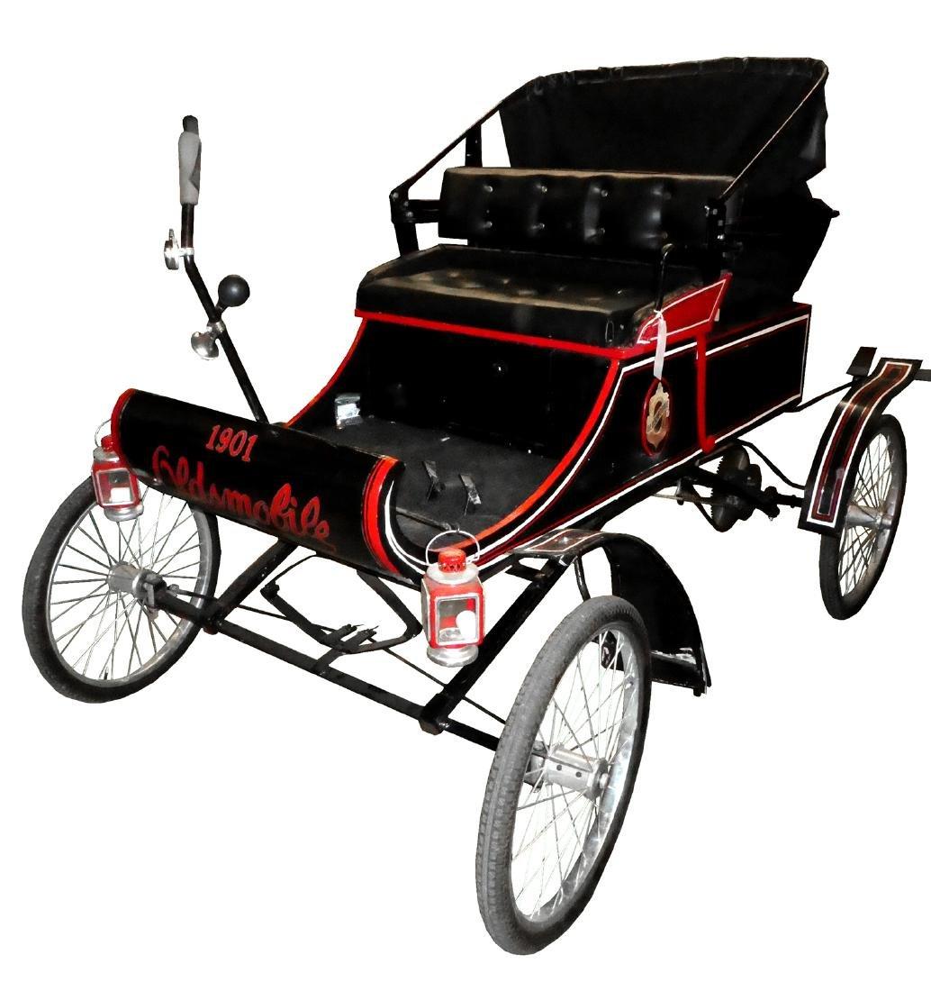 1901 Oldsmobile curved dash replica