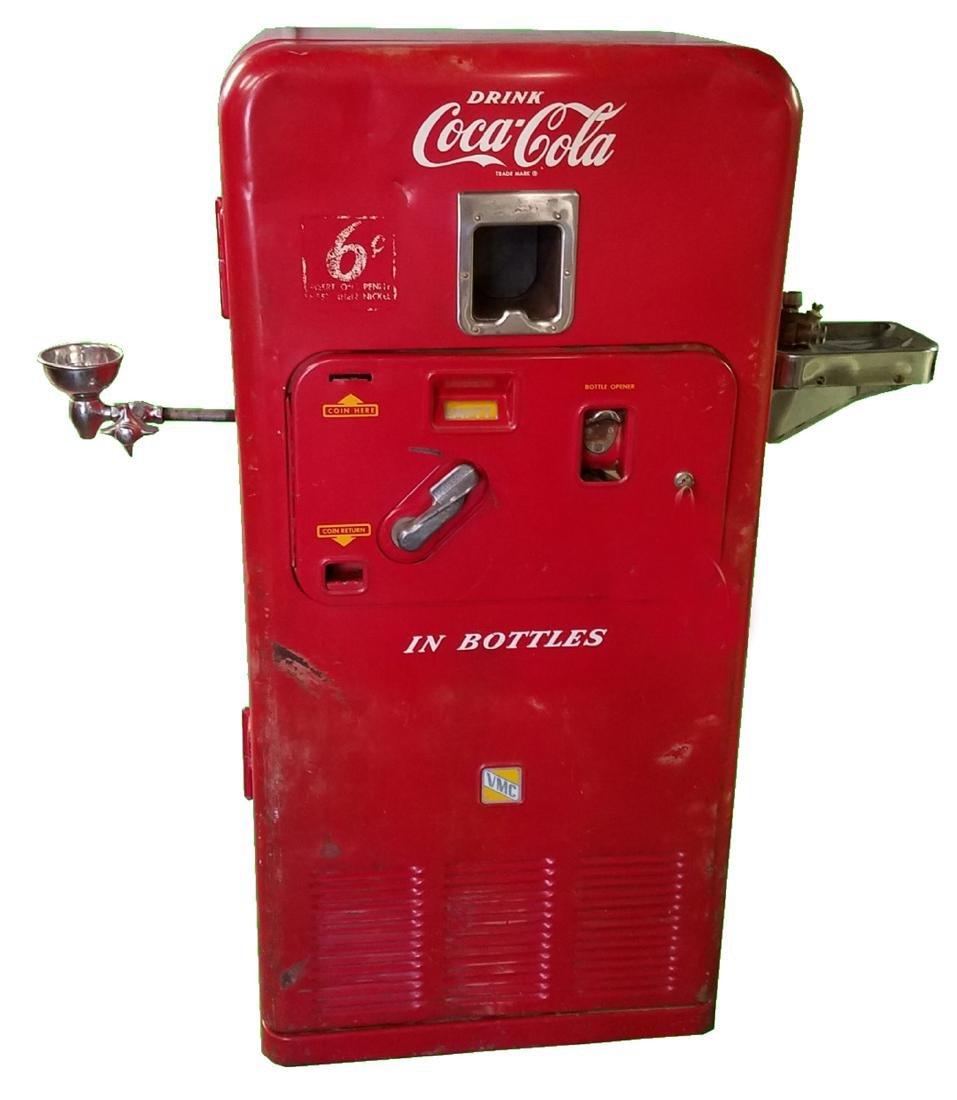 Original VMC 33 Coca-Cola machine