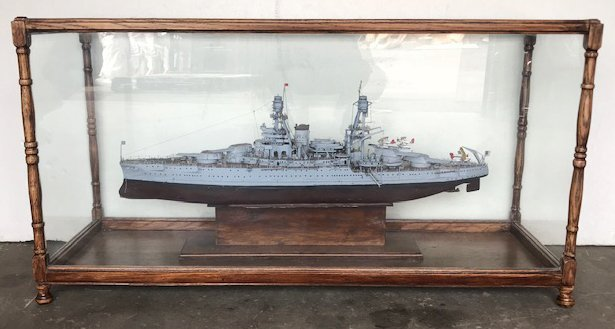 """Model Ship """"Arizona"""" in Glass Display Case"""