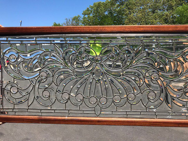 American 1890s Beveled and Leaded Transom Window - 3