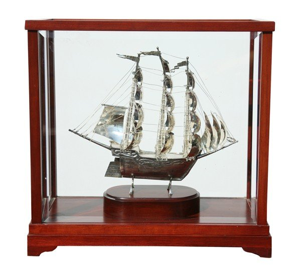 10: Silverplate model clipper ship in case
