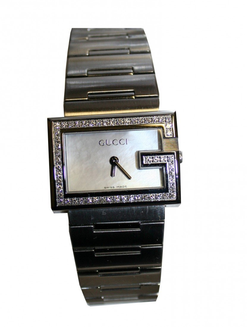 23: LADIES GUCCI WATCH IN STAINLESS STEEL AND DIAMOND B