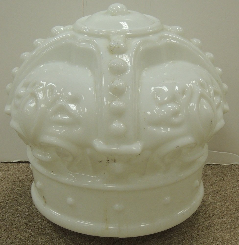 25: Original Mobile Gas Crown Globe
