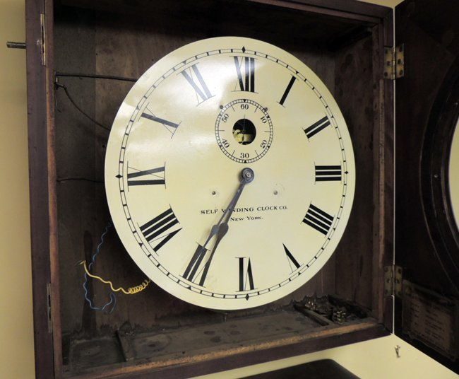 7: Self-winding Clock Co., NY; wall clock - 3