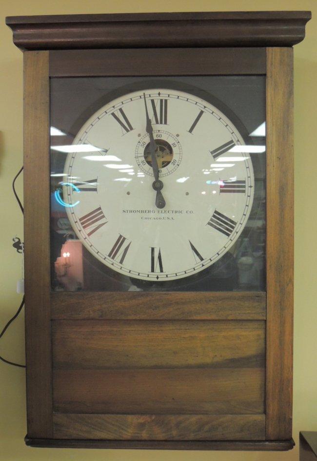 16: Oak Stromberg Electric Co. model 31 wall clock