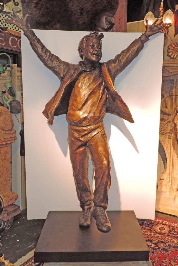 """Bronze statue, """"The Winner"""""""
