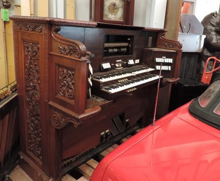 Aeolian pipe organ
