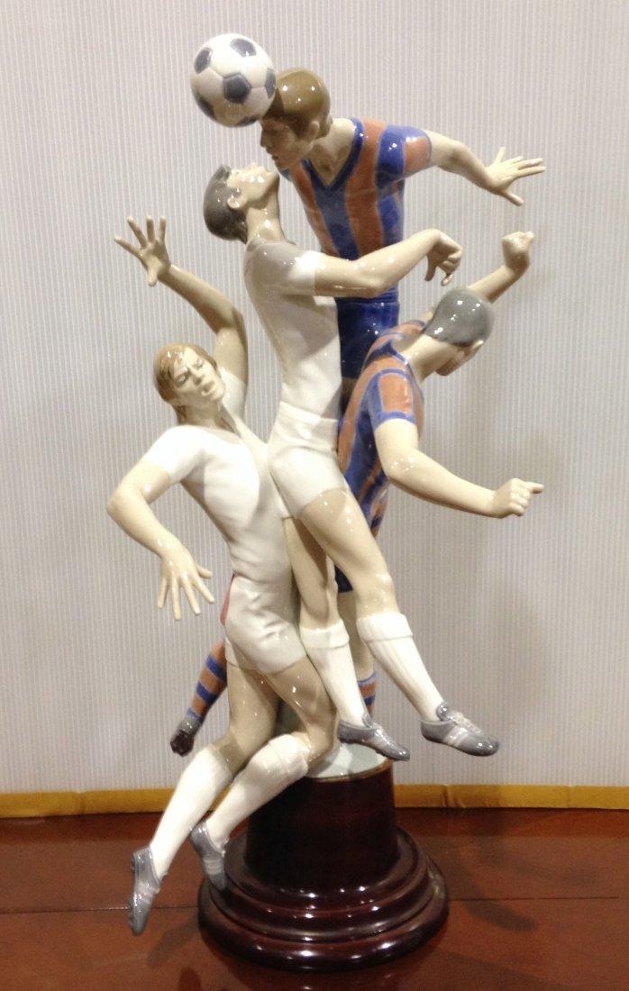"""Monumental Lladro """"Futbolistas"""" 1266"""