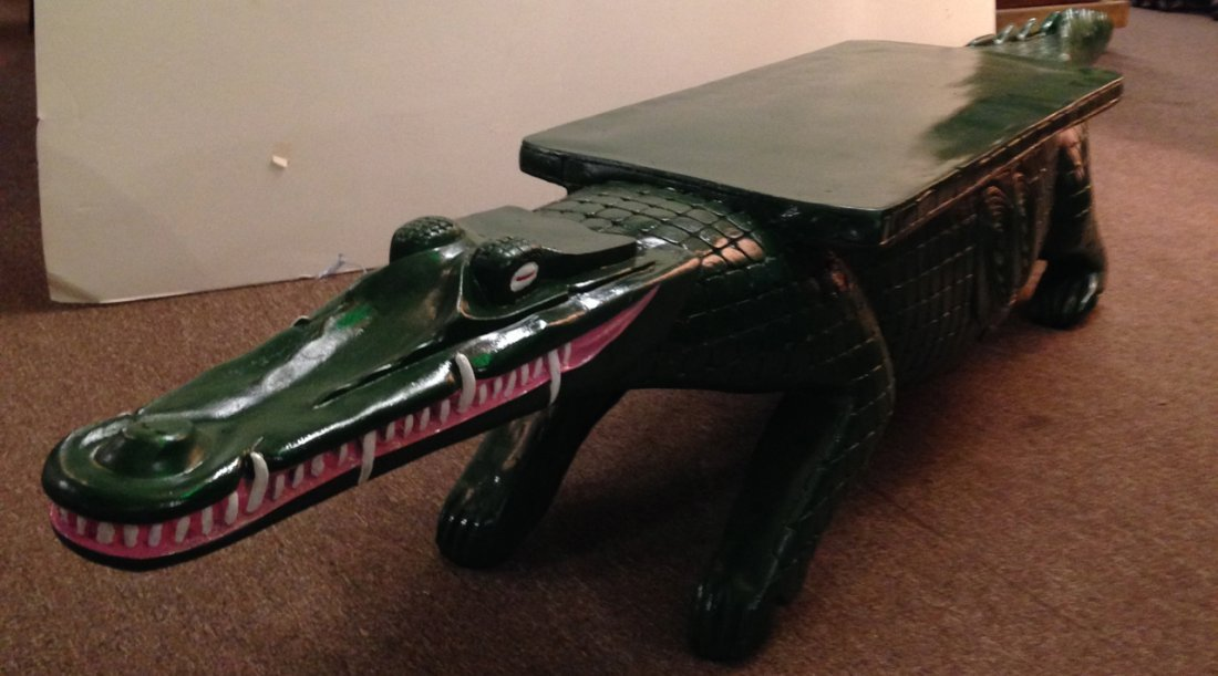 Lacoste Aligator bench